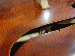 大提琴音柱